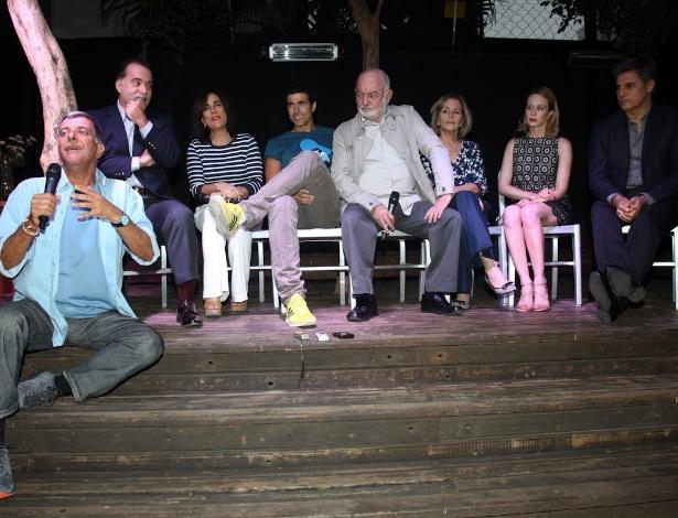 """Autor, diretor e parte do elenco de """"Guerra dos Sexos"""" durante a coletiva desta sexta-feira (17), em São Paulo"""
