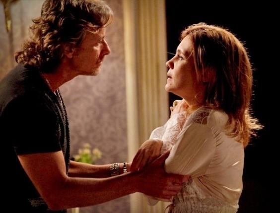 """Em """"Avenida Brasil"""", Carminha se desespera ao saber que Jorginho descobriu que Max é seu pai (17/8/12)"""