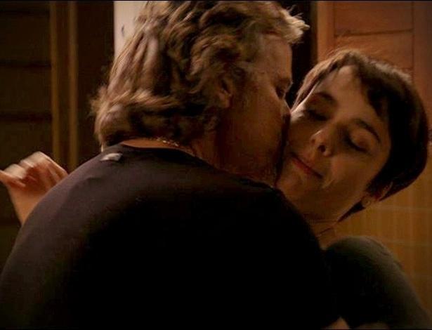 """Em """"Avenida Brasil"""", Max pede uma prova de amor a Nina e diz que quer morar com ela (18/8/2012)"""