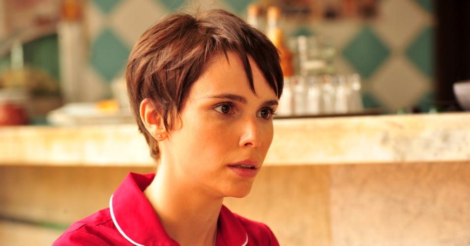 """Para compor a personagem Nina de """"Avenida Brasil"""", a atriz Débora Falabella cortou os cabelos como o cabeleireiro Flavio Priscott"""
