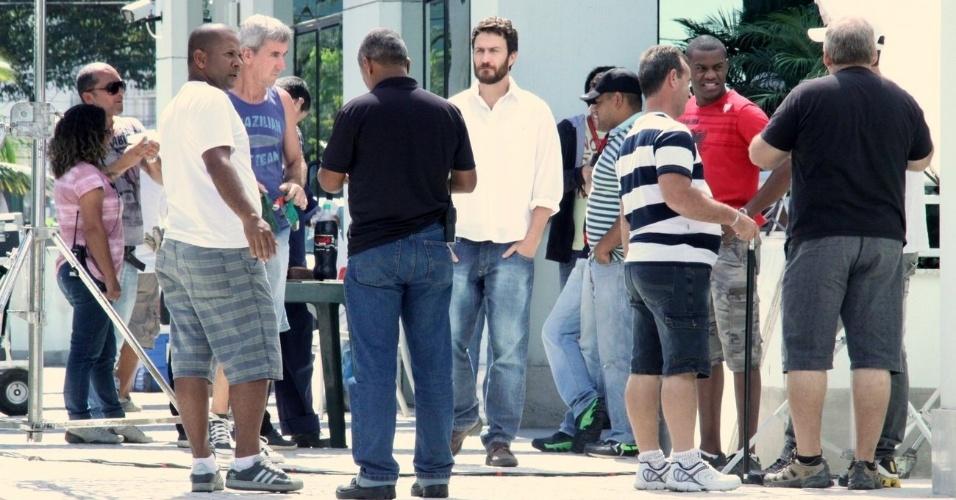 """Gabriel Braga Nunes grava cenas da novela """"Amor Eterno Amor"""", em um prédio na Barra da Tijuca, na Zona Oeste do Rio (22/8/12)"""