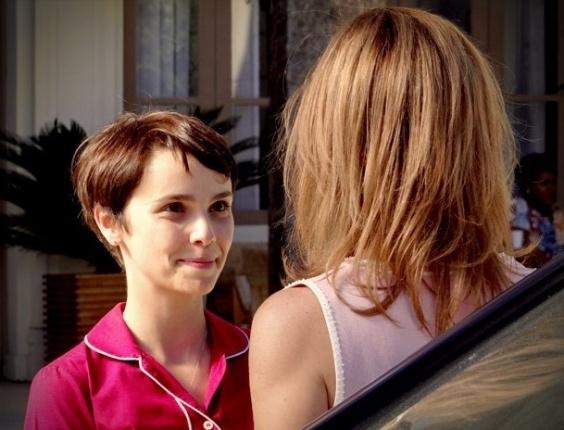 """Em """"Avenida Brasil"""", Carminha obedece Nina e sai da mansão (25/8/12)"""