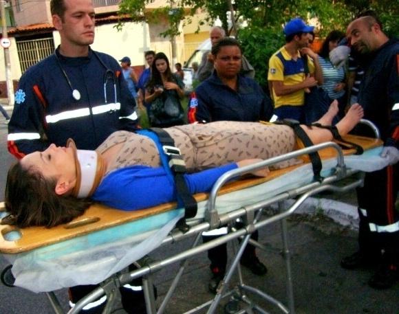 """Em """"Carrossel"""", professora Helena sofre acidente de carro e passará por cirurgia (28/8/12)"""