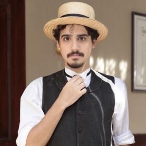 """Ator George Sauma como Jonas de """"Lado a Lado"""" (2012)"""