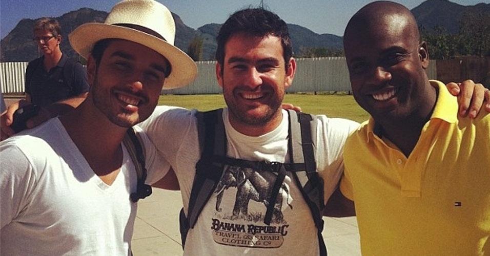 Thierry Figueira publica foto de gravação da nova novela da Record com Léo Rosa e Rafael Zulu (31/8/12)