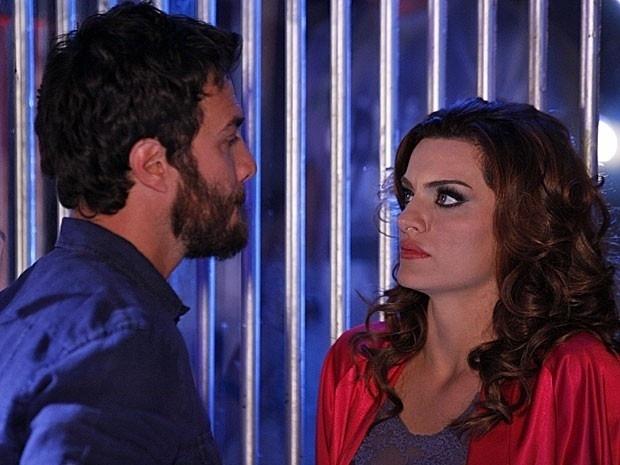 """Em """"Amor Eterno Amor"""", Rodrigo descobre que Melissa e Dimas o sequestraram (3/9/12)"""