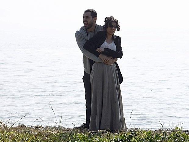 """Em """"Amor Eterno Amor"""", Rodrigo salva Miriam e poupa Fernando da morte (6/9/12)"""