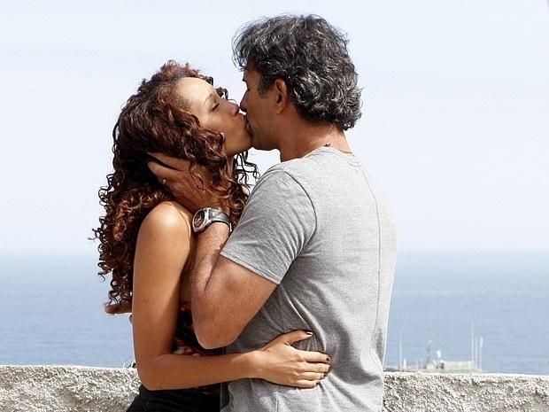 """Em """"Cheias de Charme"""", Gilson diz que está apaixonado por Penha (7/9/12)"""