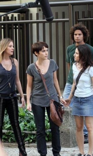 "Carol Abras, Débora Falabella, Bianca Comparato e João Henrique Gago gravam cenas de ""Avenida Brasil"" (10/9/12)"