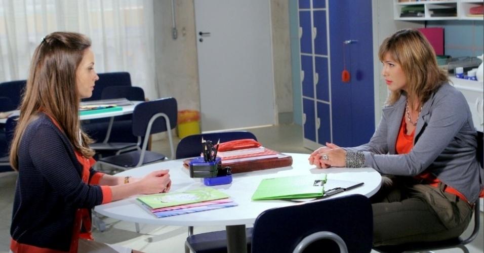"""Em """"Carrossel"""", Suzana mente para professora Helena e diz que não fez nada contra Valéria (13/9/12)"""