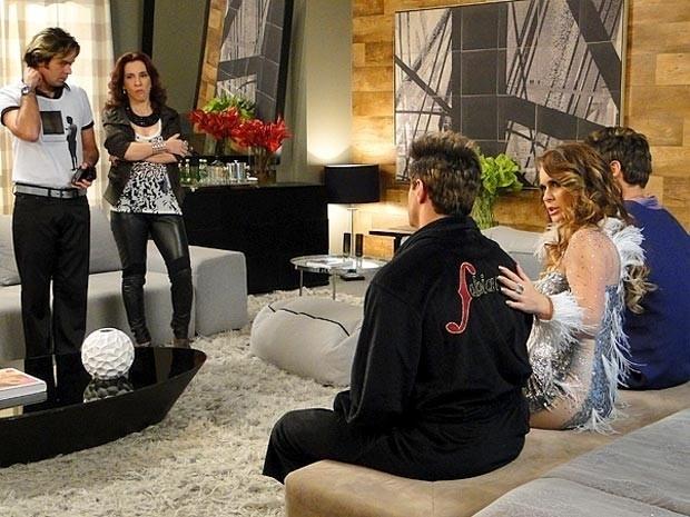 """Em """"Cheias de Charme"""", Chayenne descobre que Inácio se passa por Fabian (14/9/12)"""