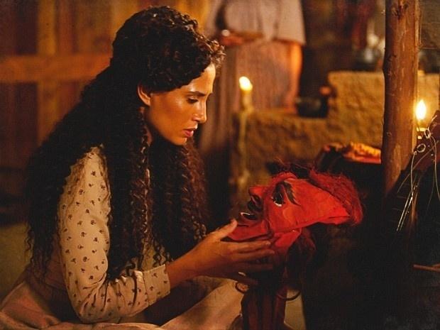 """Em """"Lado a Lado"""", Isabel descobre que Zé Maria é capoeirista e resolve esquecê-lo (14/9/12)"""
