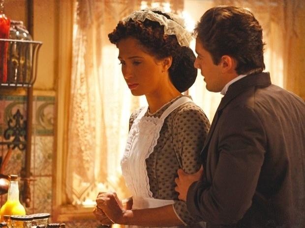 """Em """"Lado a Lado"""", Albertinho pede Isabel em casamento (17/9/12)"""