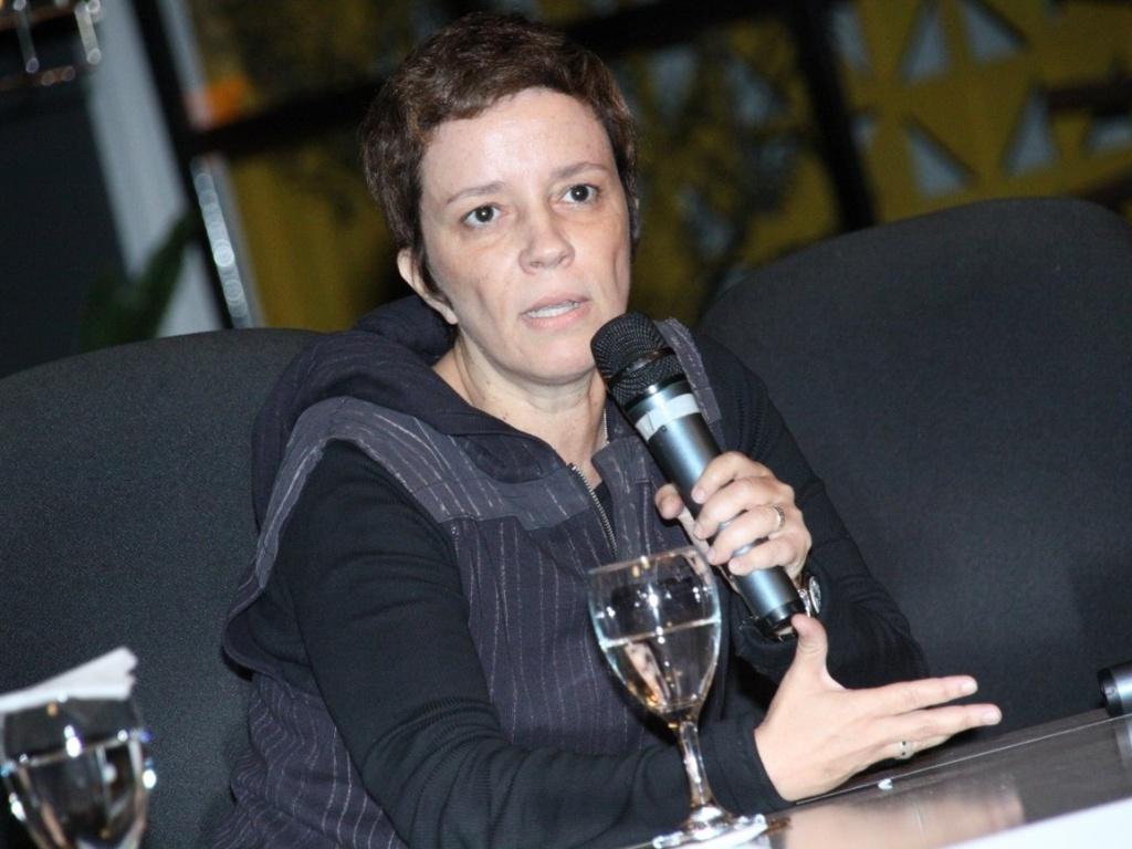 A autora Gisele Joras fala sobre a novela no evento de lançamento de