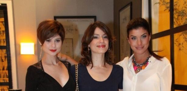 As atrizes Juliane Trevisol. Alice Assef e Joana Balanger participam do lançamento de
