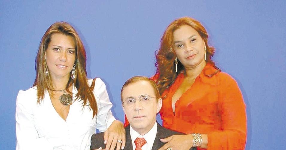 """Solange Frazão (esq), Ney Gonçalves Dias e Solange Couto em cena da chamada para o programa """"Bom Dia Mulher"""", da RedeTV!, em 2002"""