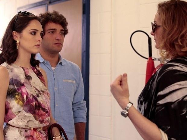 """Em """"Cheias de Charme"""", Cida humilha Sônia e avisa que vai processar a família Sarmento (25/9/12)"""