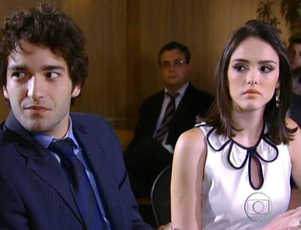 Elano defende Cida na audiência contra a família Sarmento pelos anos em que exploraram Cida (28/9/12)