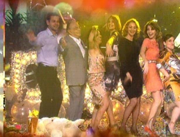 Elenco participa do show das Empreguetes no último capítulo de