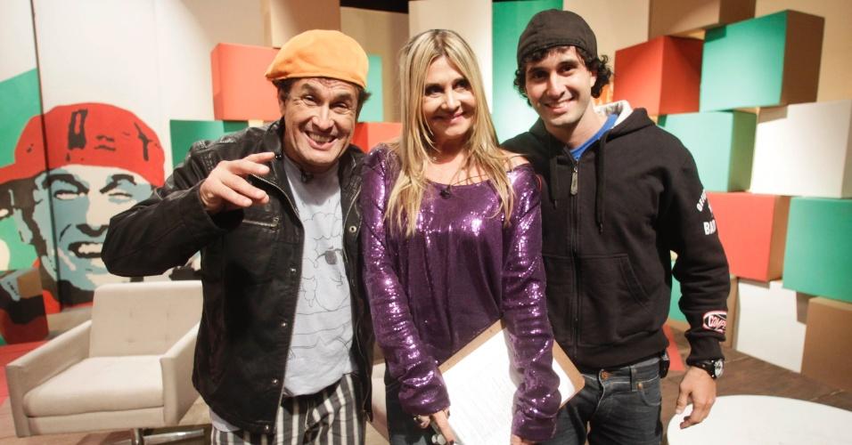 O comediante Sérgio Mallandro ao lado da ex-mulher, Mary Mallandro, e seu filho Serginho