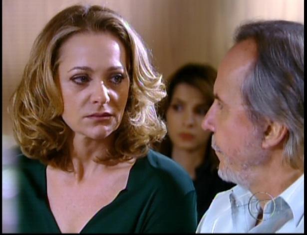 Sônia e Ernani são condenados a pagar indenização milionária para Cida, por conta dos anos em que exploraram a jovem (28/9/12)