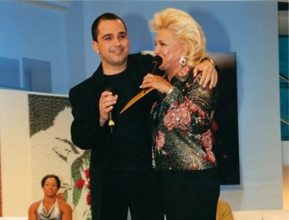 O cantor Luciano publicou uma foto com Hebe em seu programa no SBT