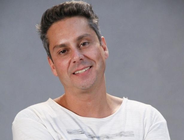 """Alexandre Nero está no elenco da novela da TV Globo """"Salve Jorge"""", no Projac, Rio de Janeiro (2/10/2012)"""