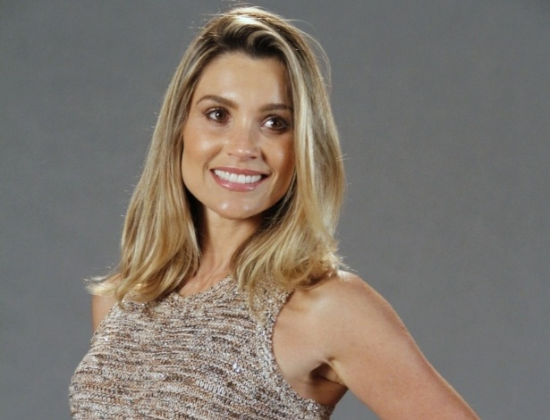 Fl&#225;via Alessandra no elenco da novela da TV Globo &#34;Salve Jorge&#34;, no Projac, Rio de Janeiro (2/10/2012)
