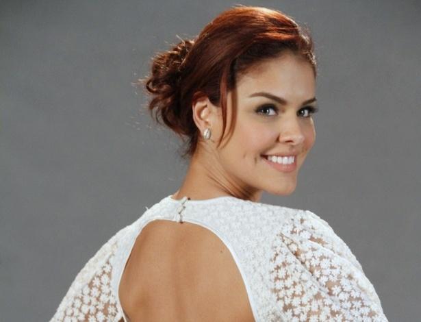 """Paloma Bernardi no elenco da novela da TV Globo """"Salve Jorge"""", no Projac, Rio de Janeiro (2/10/2012)"""