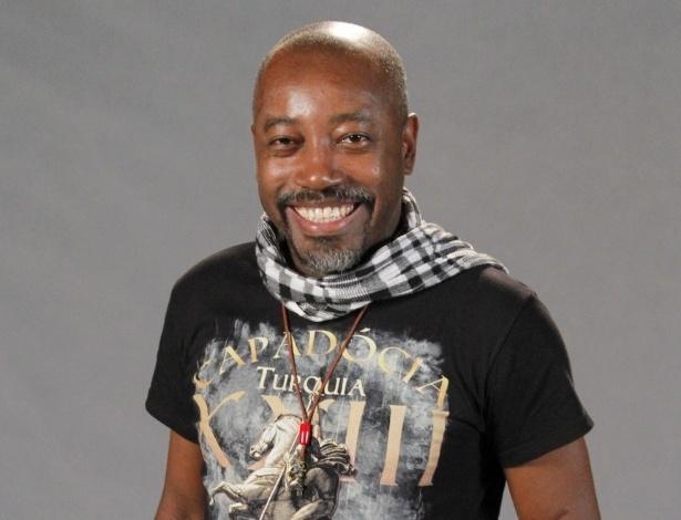 """Nando Cunha no elenco da novela da TV Globo """"Salve Jorge"""", no Projac, Rio de Janeiro (2/10/2012)"""