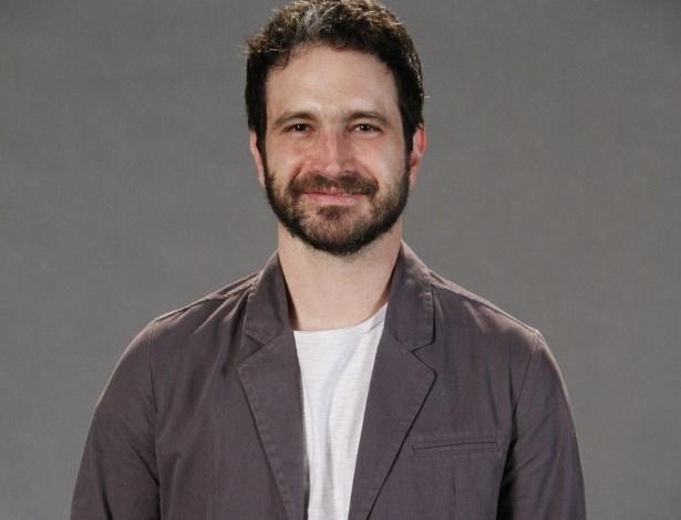 """Caco Ciocler no elenco da novela da TV Globo """"Salve Jorge"""", no Projac, Rio de Janeiro (2/10/2012)"""