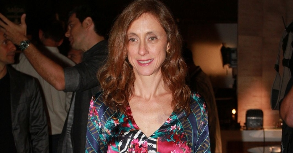"""Betty Gofman está no elenco da novela da TV Globo """"Salve Jorge"""", no Projac, Rio de Janeiro (2/10/2012)"""