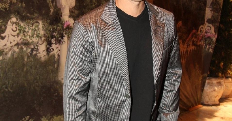 """Murilo Rosa está no elenco da novela da TV Globo """"Salve Jorge"""", no Projac, Rio de Janeiro (2/10/2012)"""