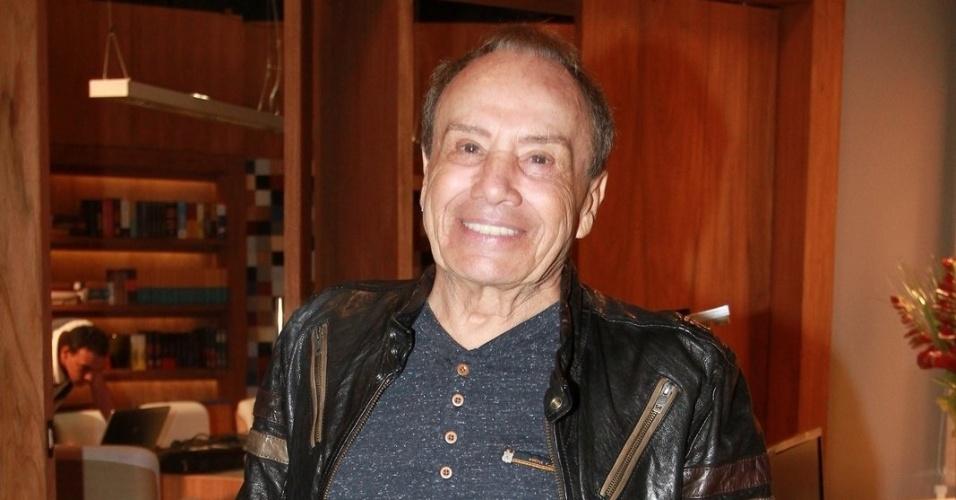 """Stênio Garcia está no elenco da novela da TV Globo """"Salve Jorge"""", no Projac, Rio de Janeiro (2/10/2012)"""
