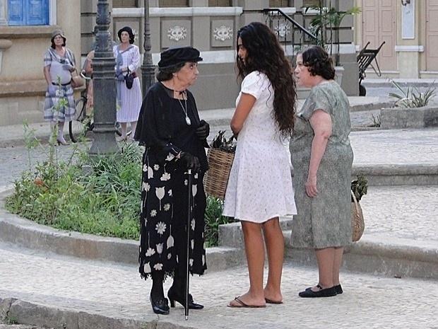 Depois de traição, Doróteia vira a cara e chama Gabriela de adultera (3/10/12)