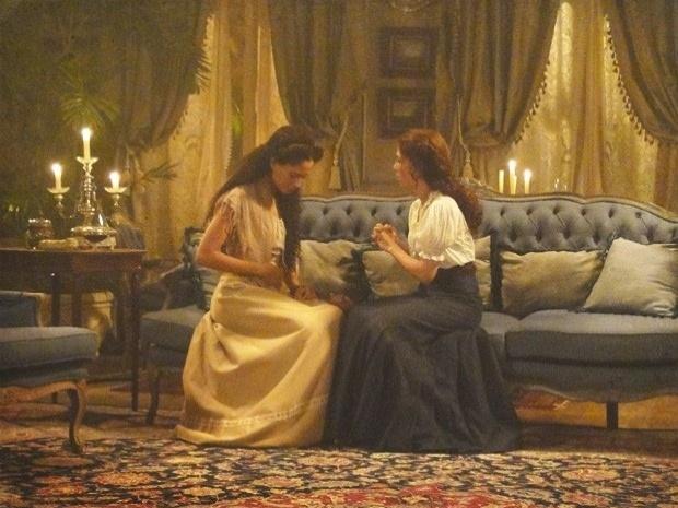 """Em """"Lado a Lado"""", Laura convida Isabel para morar em sua casa (3/10/12)"""