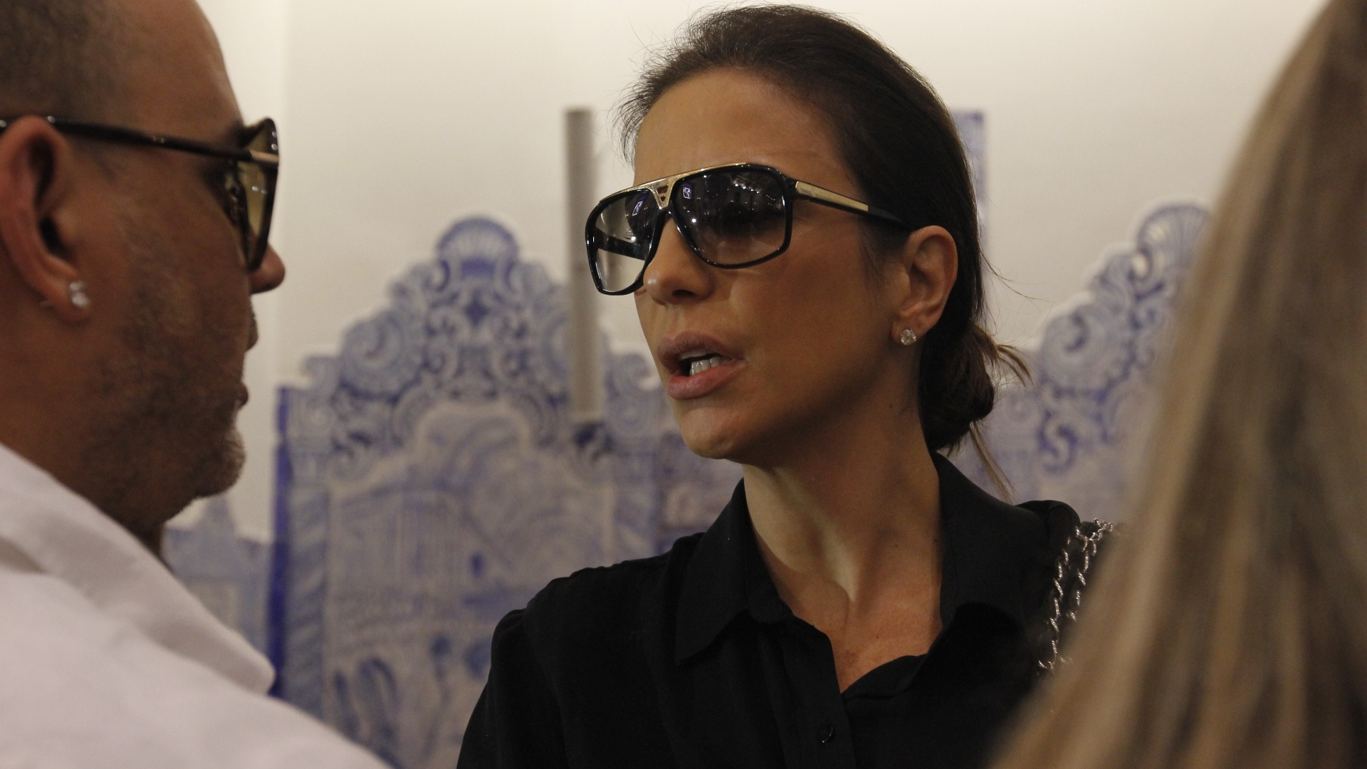 A cantora Ivete Sangalo chega atrasada para a missa de stimo dia da apresentadora Hebe Camargo, na igreja Nossa Senhora do Brasil, em So Paulo (5/10/12)