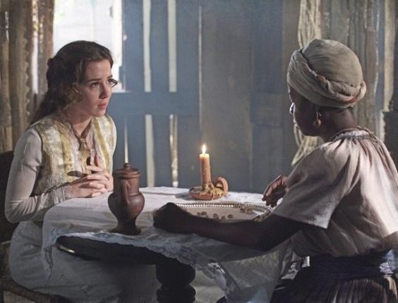 """Em """"Lado a Lado"""", Laura sobe o Morro da Providência em busca de Isabel"""