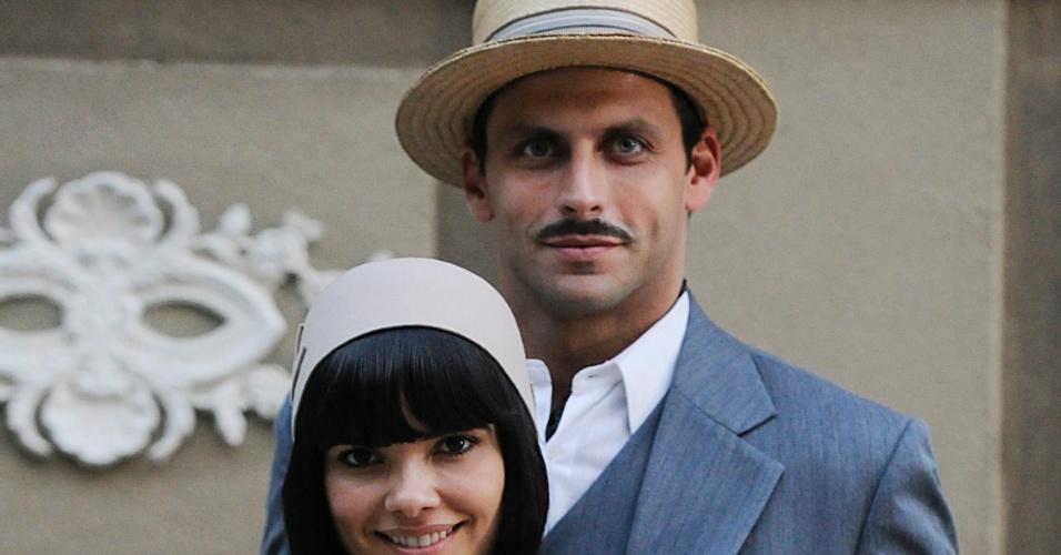 Vanessa Giácomo e Henri Castelli nos bastidores da novela