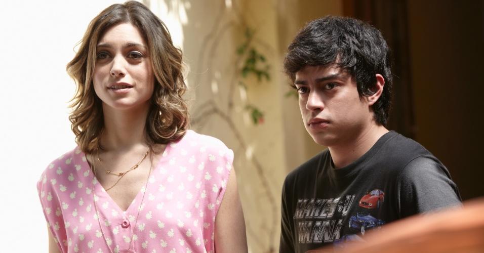 """Juliana Schalch, a Luna da série """"O Negócio"""", e Pedro Inoue, que vive seu irmão mais novo (8/10/12)"""