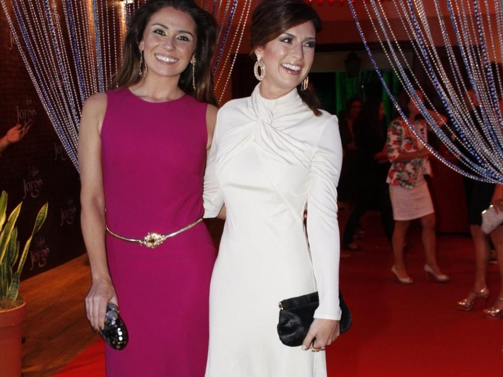 Giovanna Antonelli e Fernanda Paes Leme participam de festa de estreia da novela