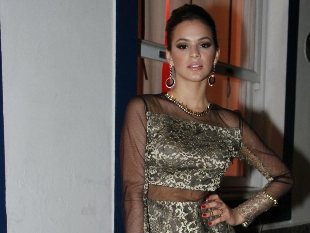 Bruna Marquezine na festa de estreia da novela