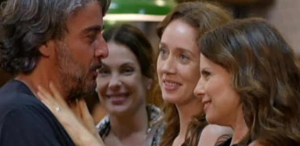 Alexia, Nomia e Dbora Bloch voltam para o Divino e se reconciliam com Cadinho no ltimo captulo de 