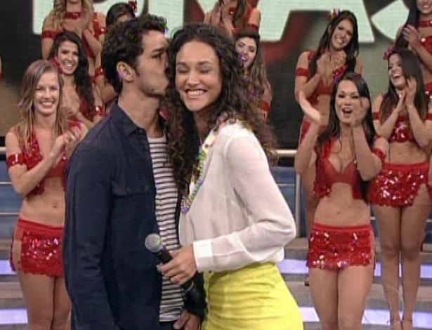 José Loreto e Débora Nascimento participam do