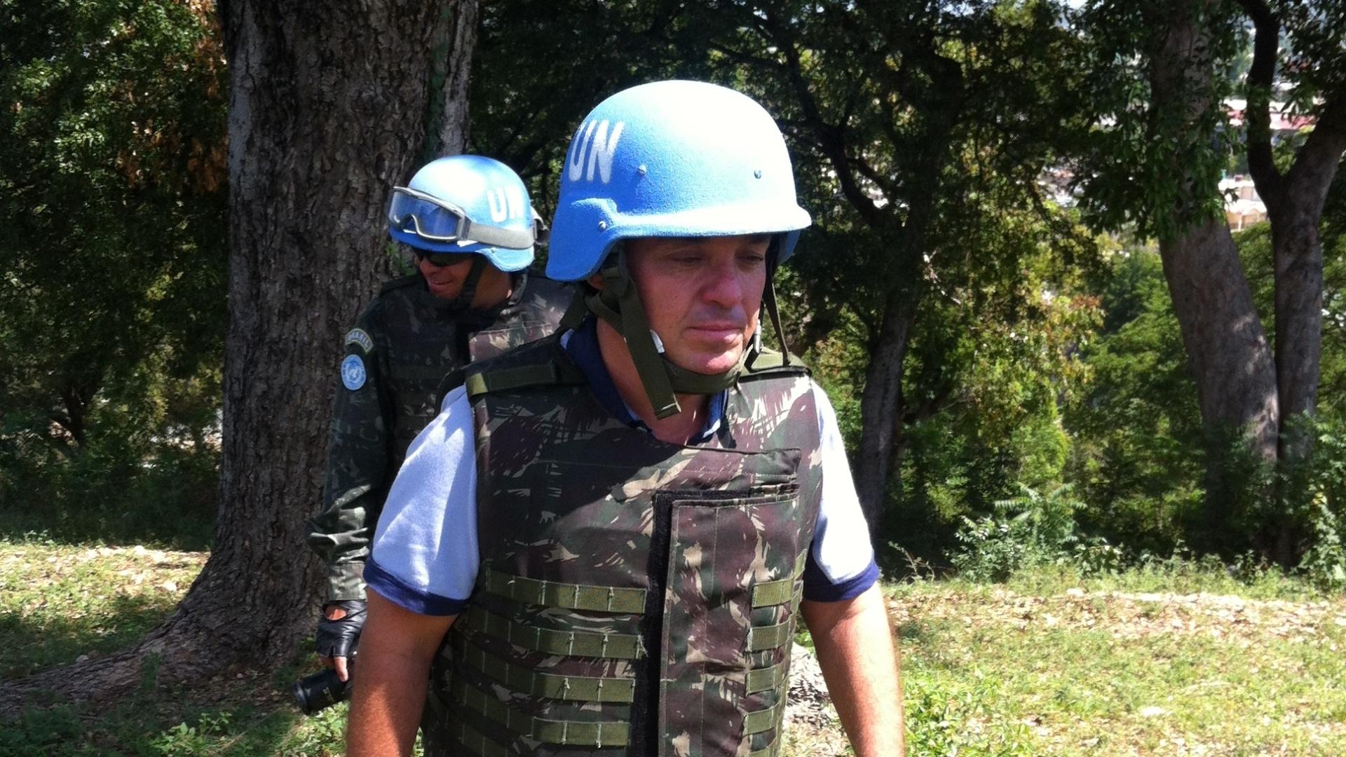 Gugu Liberato foi ao Haiti gravar matérias especiais do seu programa (outubro/2012)