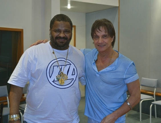 Arlindo Cruz e Roberto Carlos no segundo dia de ensaios no Estúdio Amigo (outubro/2012)