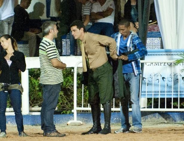 "Rodrigo Lombardi grava cena de ""Salve Jorge"" (1/11/12)"