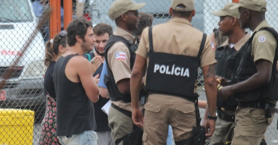 """Gabriela Braga Nunes também gravou cenas de """"O Canto da Sereia"""" na Praça Castro Alves, em Salvador (4/11/2012)"""