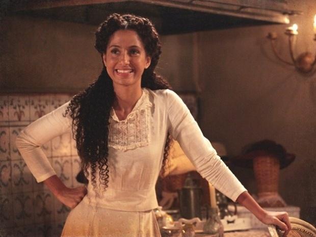 """Em """"Lado a Lado"""", Isabel fica eufórica ao saber que vai para Paris ensinar samba (5/11/12)"""