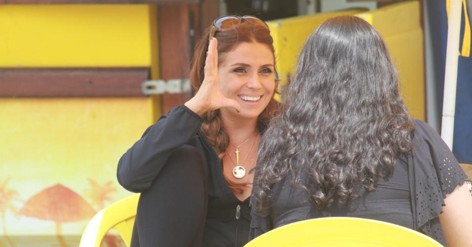 "Giovanna Antoneli grava cena de ""Salve Jorge"" na praia do Recreio dos Bandeirantes, no Rio (6/11/12)"